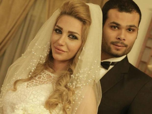 سارة نخلة أعلنت طلاقها من الفنان أحمد عبدالله محمود