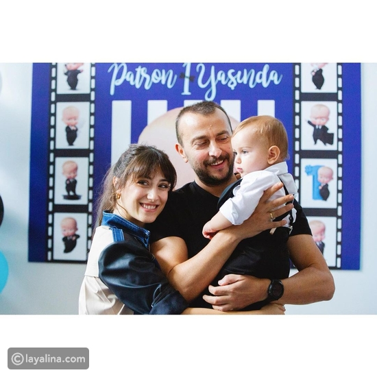 هازال كايا مع ابنها وزوجها