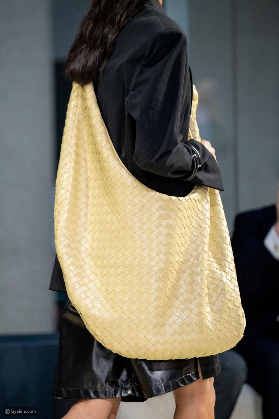 حقيبة كبيرة الحجم