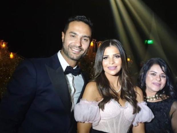 كريم فهمي وزوجته من حفل زفاف أحمد فهمي وهنا الزاهد