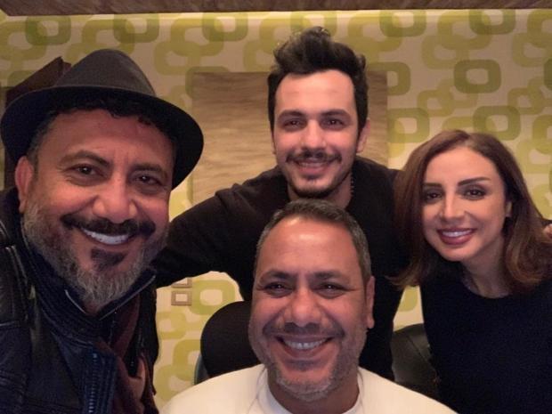 أنغام وزوجها أحمد إبراهيم خلال العمل على ألبومها الجديد