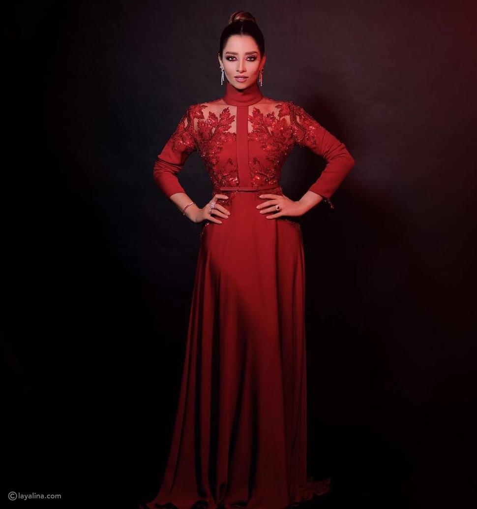 صور بلقيس فتحي بفستان أحمر من توقيع إيلي صعب ومجوهرات مرصعة بالياقوت والماس