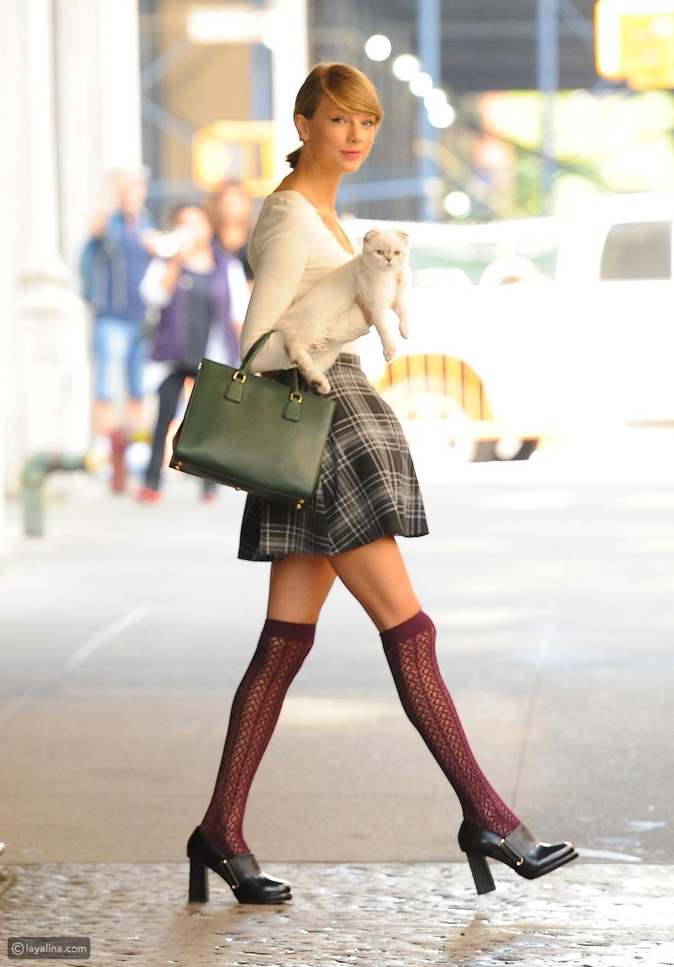 جوارب طويلة Knee Socks
