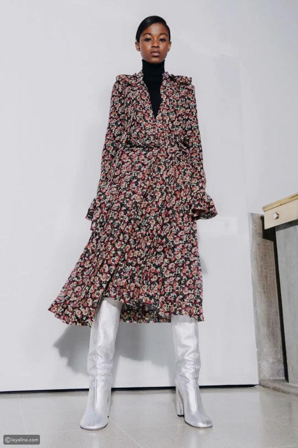 البوت مع فستان ميدي مزين بنقش الأزهار