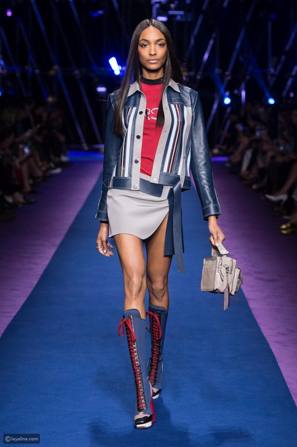 عرض Versace ... في أسبوع الموضة في ميلانو