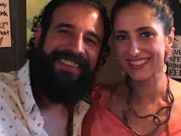 حنان مطاوع مع زوجها المخرج المسرحي أمير اليماني