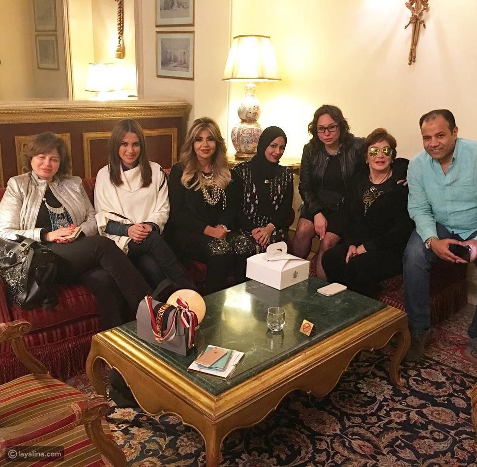 بوسي شلبي مع إلهام شاهين ودرة فور وصولهم إلى الأقصر