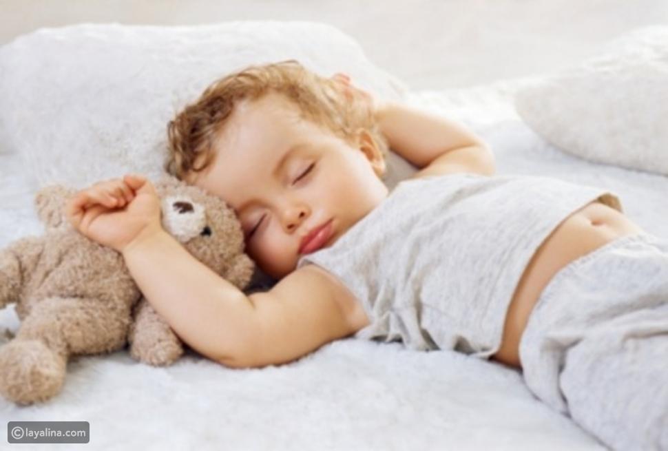 دريب الطفل على النوم في غرفته