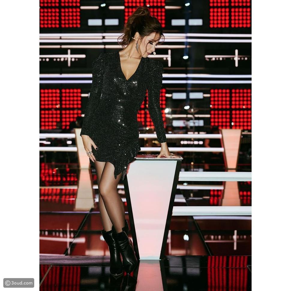 نانسي عجرم تتألق بفستان قصير لامع خطف الأنظار