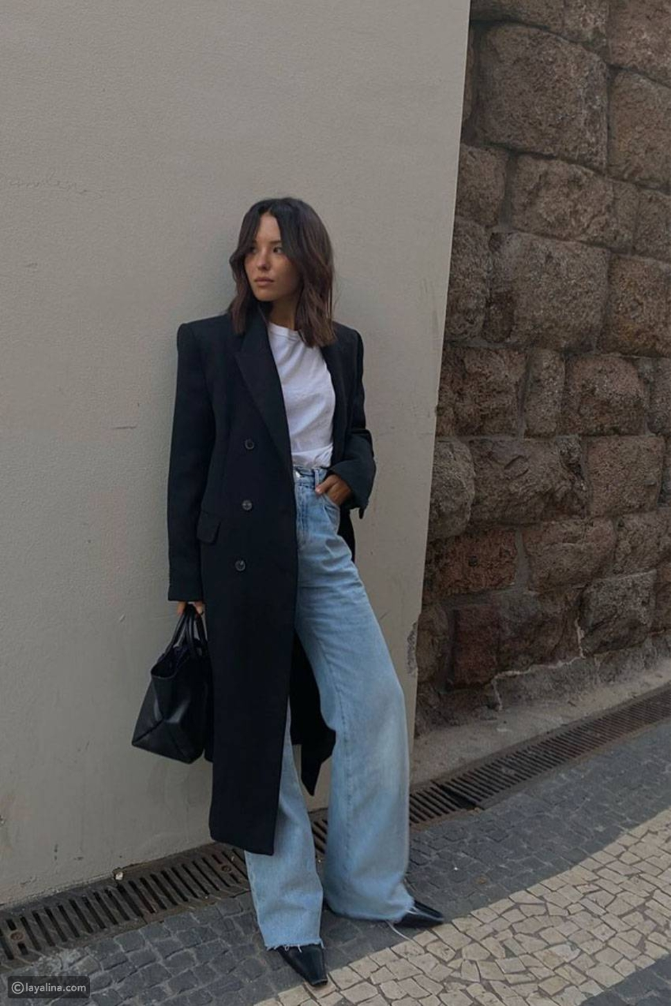معطف بليزر مع جينز واسع