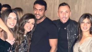 ياسمين عبد العزيز وأحمد العوضي في صورة مرسومة لزفافهما وشقيقها يعتذر