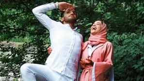 شاهد مفاجأة مشاعل الشحي الرومانسية لزوجها أحمد خميس تشعل مواقع التواصل