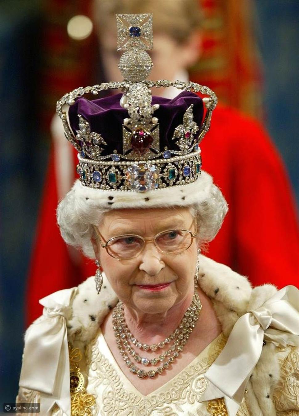 كل التفاصيل والفضول حول تاج الملكة إليزابيث الثانية