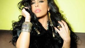 ليلى اسكندر تفاجئ متابعيها بارتداء النقاب