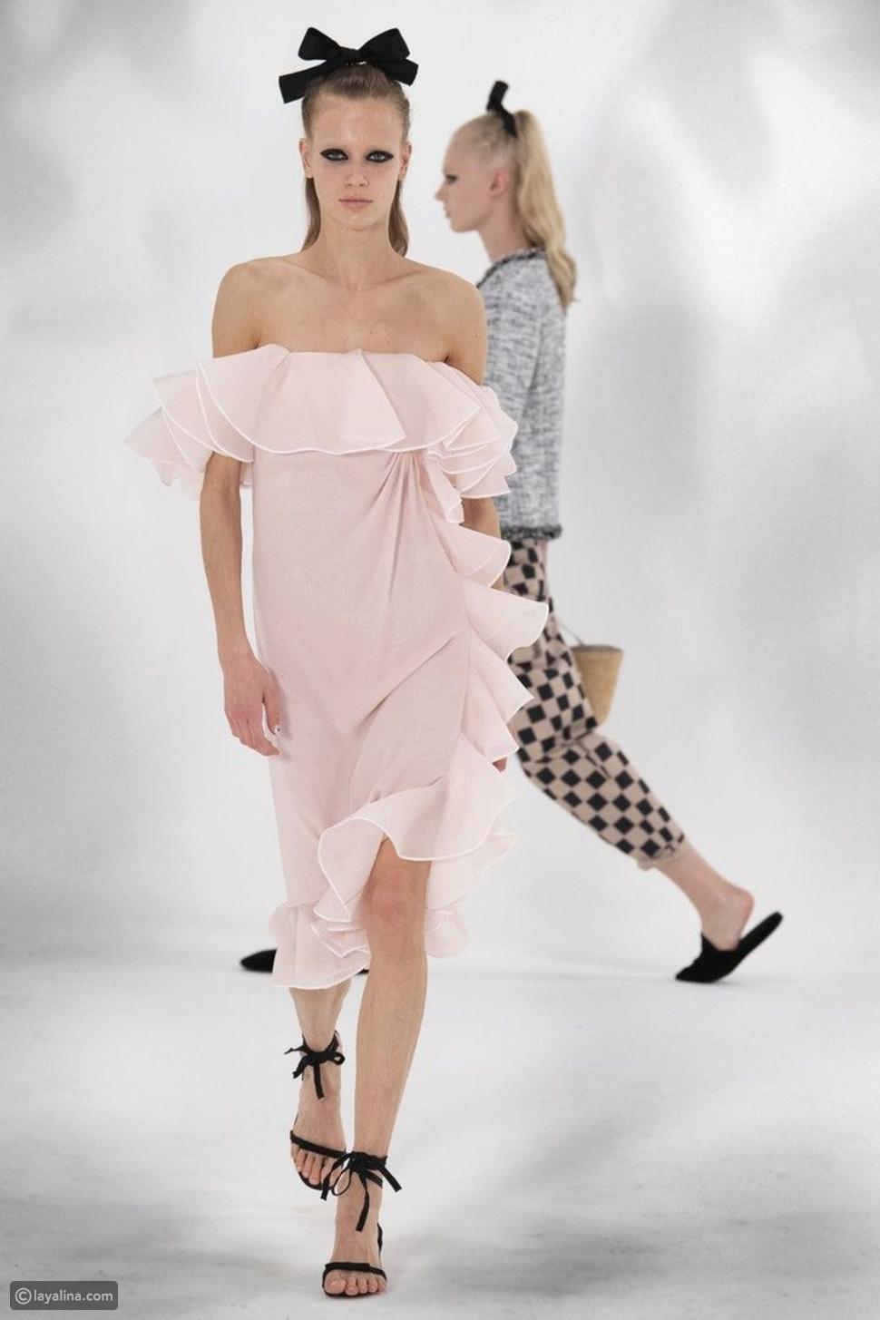 فستان خفيف وطويل من مجموعةGiambattista Valli