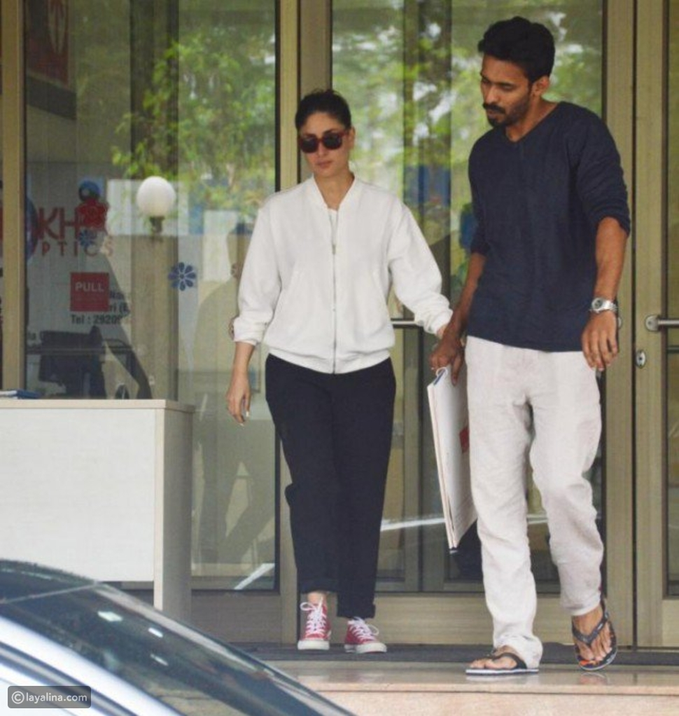 صور كارينا كابور في المستشفى بعد خضوع زوجها سيف علي خان لجراحتين!!