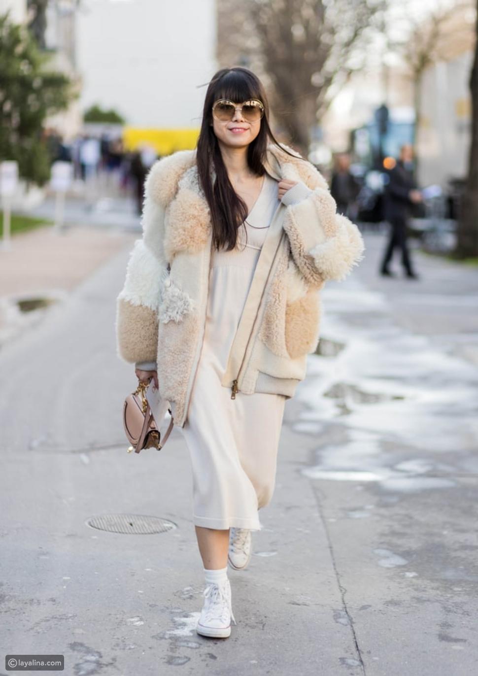 فستان أبيض محبوك مع معطف أنيق