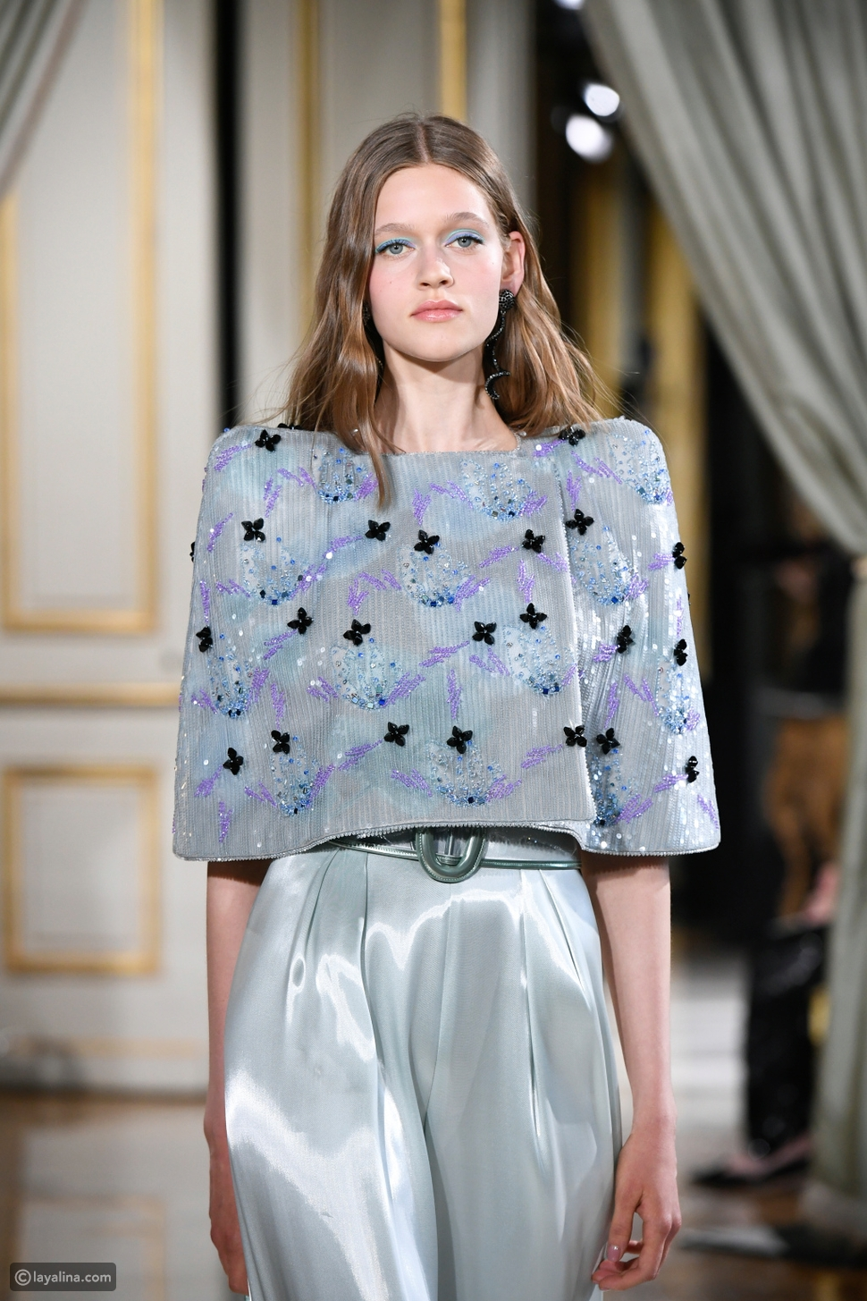 ظلال العيون الملونة في مجموعةArmani Privé Couture