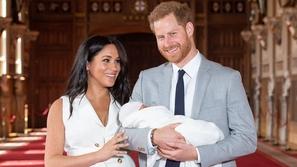 اكتشفوا الاسم الغريب لابن الأمير هاري وميغان ماركل.. وسبب اختياره!