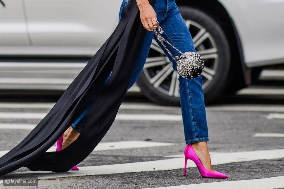 أحذية باللون الوردي