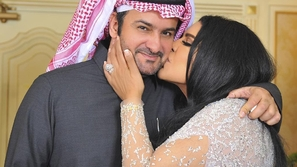 أحلام توجه رسالة لنانسي عجرم.. وتعليق زوجها الرومانسي يثير ضجة