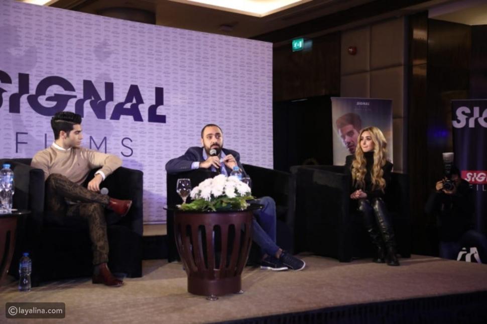 صورة تجمع هنا الزاهد ومينا مسعود في مؤتمر فيلمهما الجديد