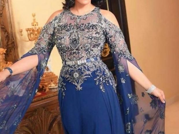 أحلام تبرز نحافة خصرها بفستان من تصميم زهير مراد