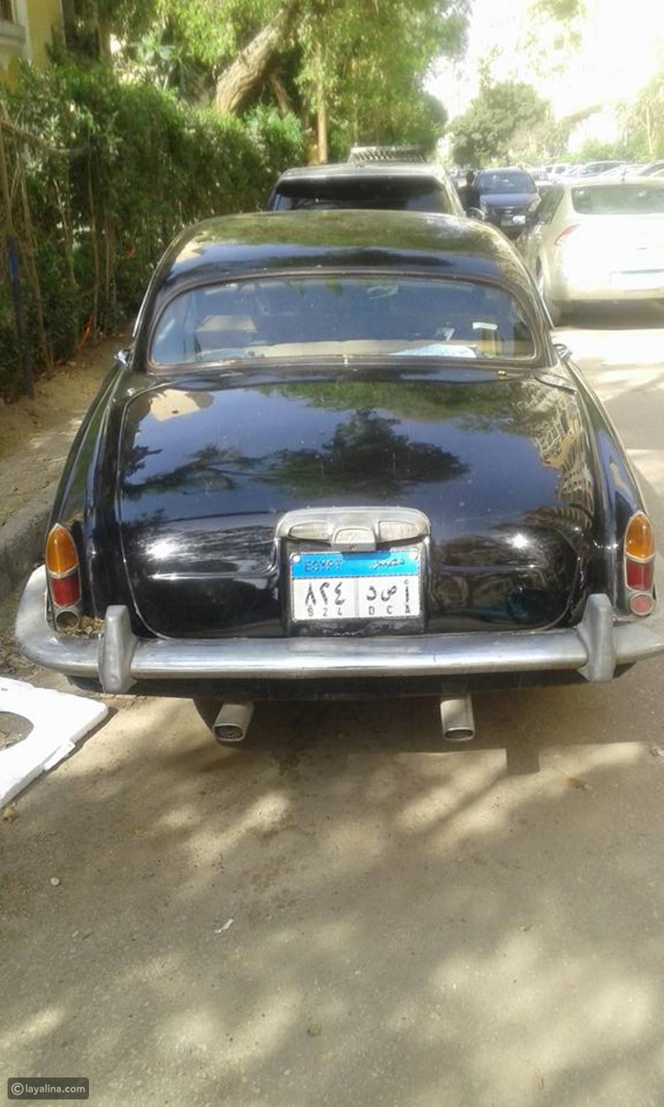 صور سيارة الراحل رشدي أباظة الجاكوار الفخمة والمعروضة اليوم للبيع بهذا الثمن