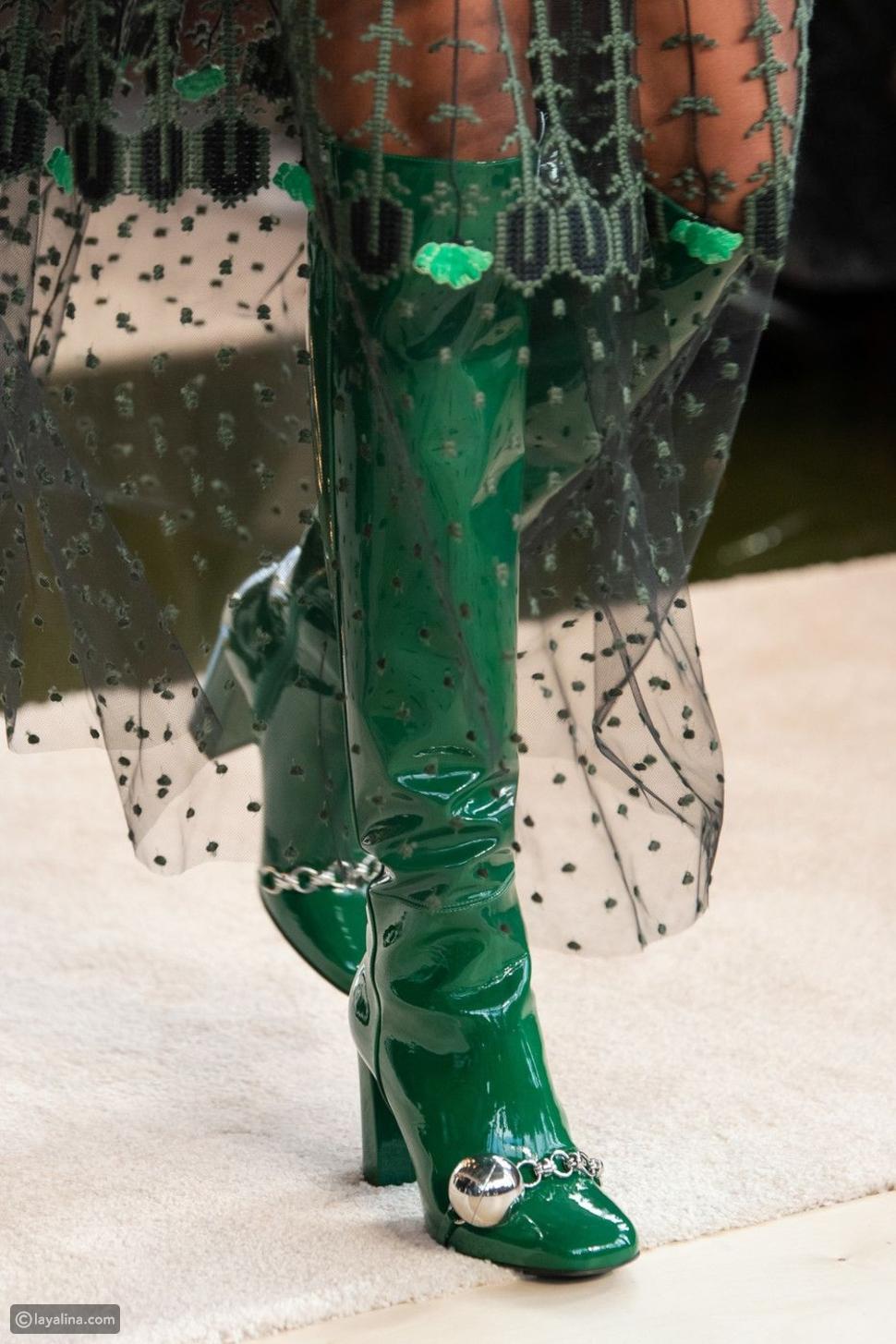 أخضر زيتوني