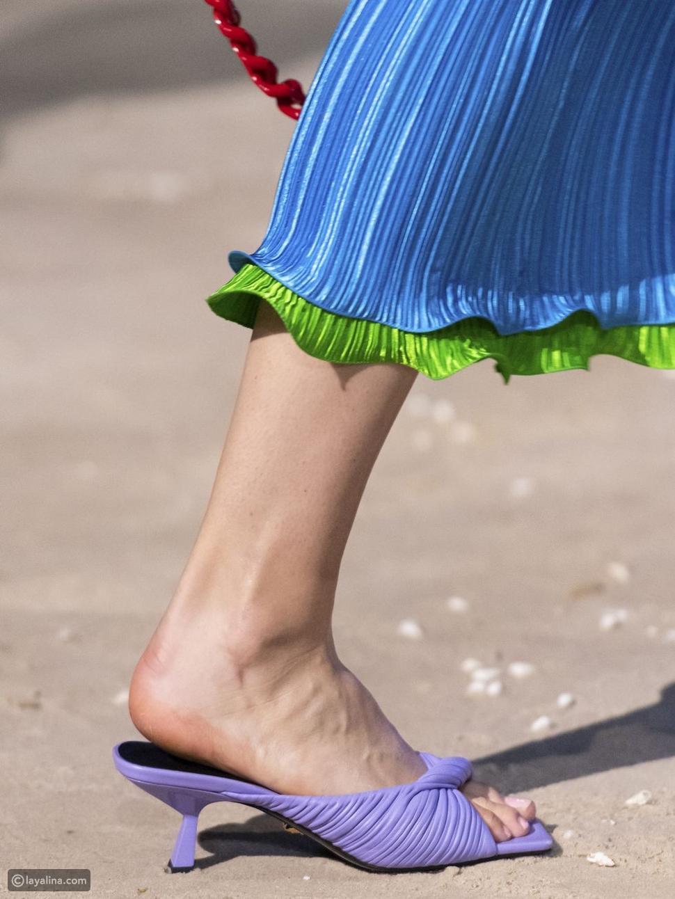 أحذية جلدية مربوطة