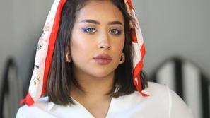 فيديو فستان فرح الهادي الغريب يدفع فنانة شهيرة للسخرية منها على الملأ