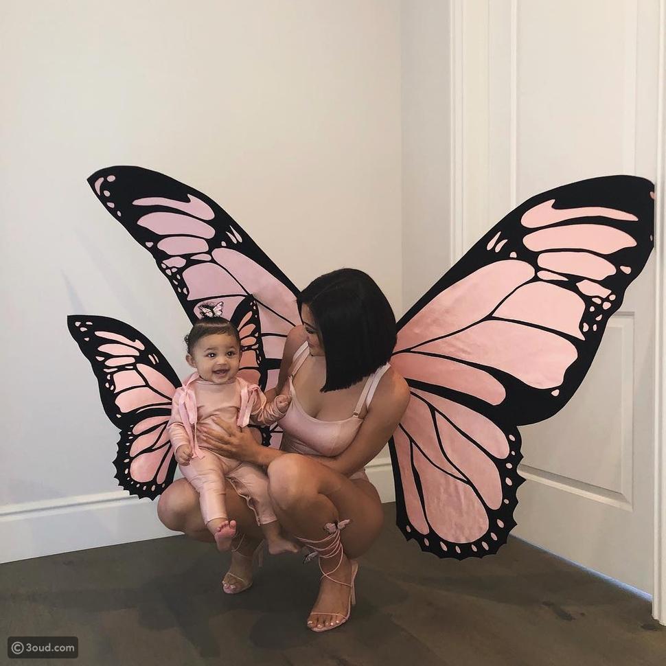 أزياء الفراشات