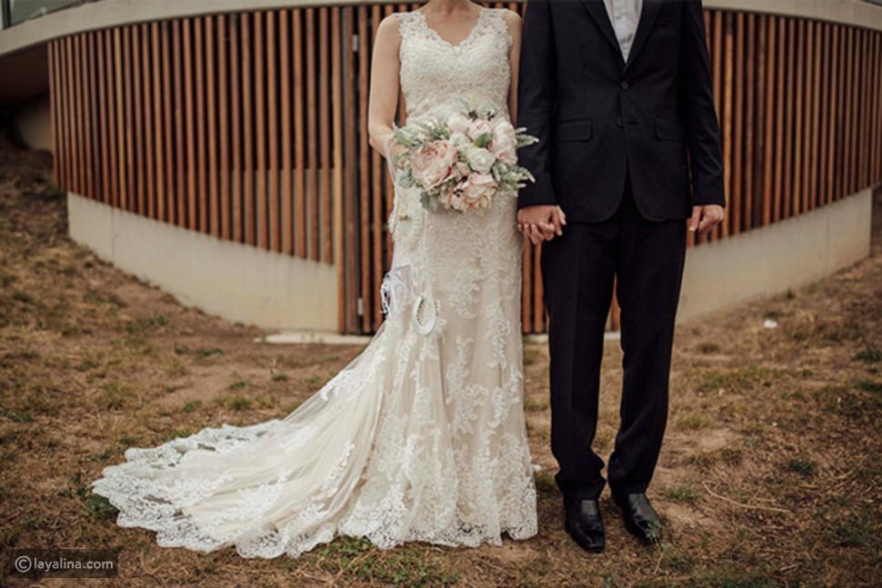 بقاء العروسين طيلة حفل الزفاف مع بعضهما