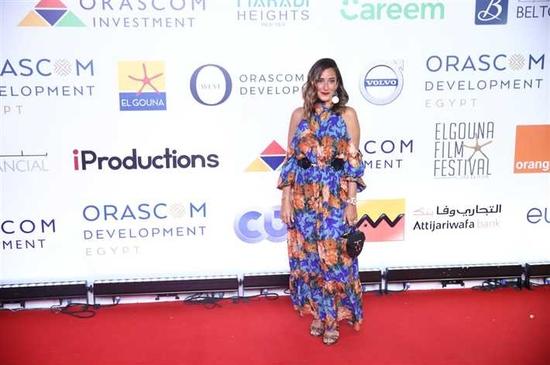 فستان أمينة خليل في فعاليات مهرجان الجونة