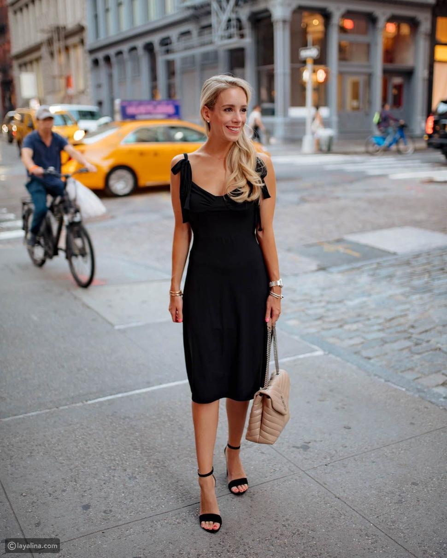 فستان مع أربطة الكتف