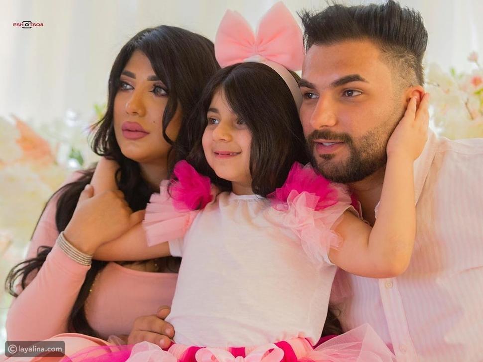 سارة الكندري مع عائلتها