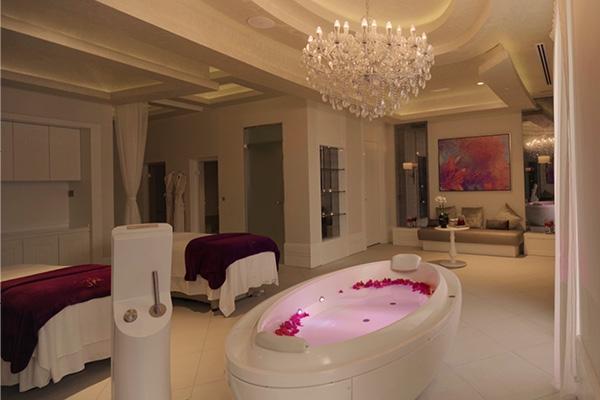 5 أسباب لقضاء عطلتك القادمة في فندق والدورف أستوريا دبي نخلة جميرا