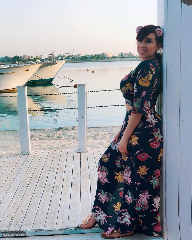 أسما شريف منير تتعرض للنقد بسبب صورها على البحر