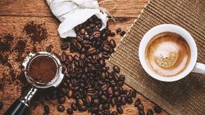 فوائد القهوة للشعر الأبيض
