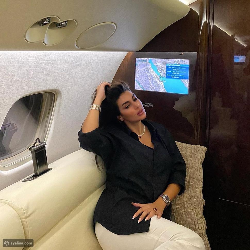 ياسمين صبري داخل طائرتها الخاصة