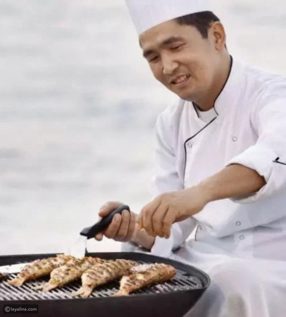عشاء المأكولات البحرية على الشاطئ