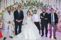 العروسين والحضور