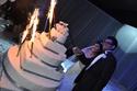 العروسان أحمد ويارا يقطعان قالب الكاتو