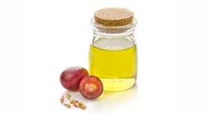 10 فوائد تجميلية لزيت بذور العنب للبشرة والشعر