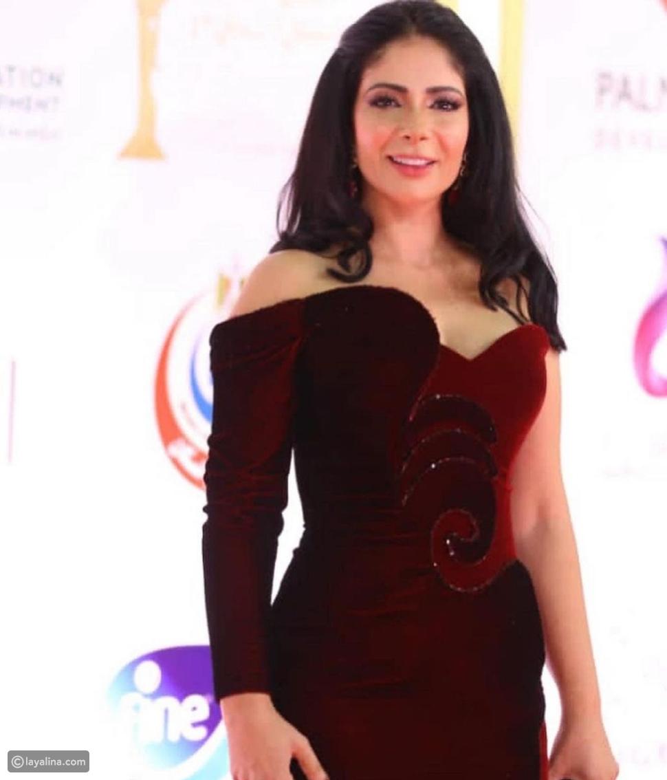 لي لي أحمد حلمي تنافس والدتها منى زكي في افتتاح مهرجان القاهرة