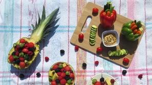 فيديو أفكار رائعة لاستخدام الخضر والفواكه في تزيين الطعام على المائدة