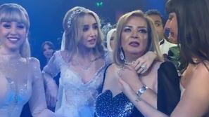 فيديو دموع والدة هنا الزاهد وشقيقتها بحفل زفافها.. وهذا ما فعله العريس
