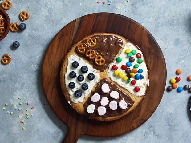 بيتزا الحلويات بأبسط المكونات