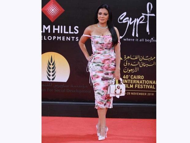 فساتين رانيا يوسف عادة ما تعرضها للانتقادات