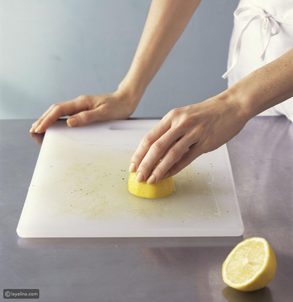 إليك 5 أخطاء تقومين بها عند تنظيف المطبخ وتفسد مذاق أطباقك بعد طهيها